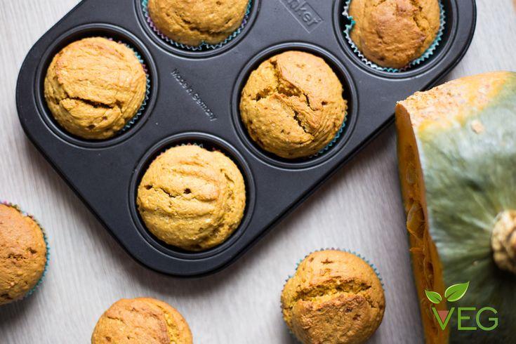 """Muffin alla zucca vegan, morbidi e golosi per entrare subito nello spirito della festa più """"spaventosa"""" dell'anno!"""