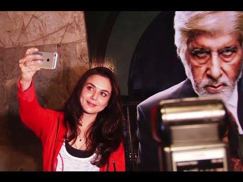 BIG FAN ! Preity Zinta takes SELFIE with the poster of Amitabh Bachchan.