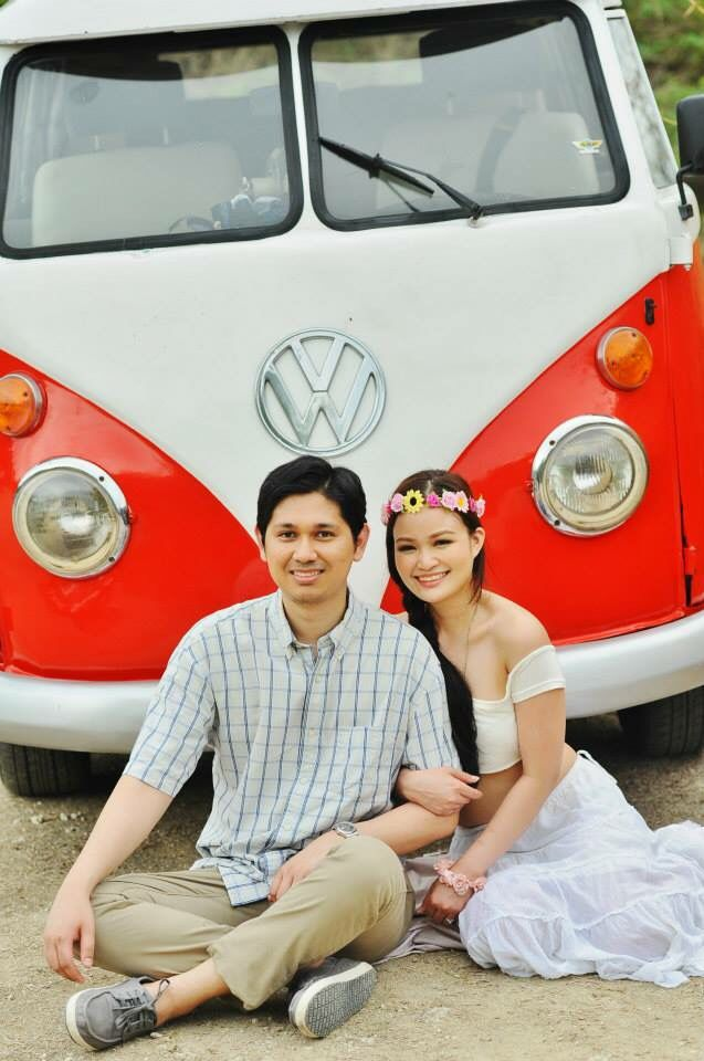 VW kombi engagement shoot