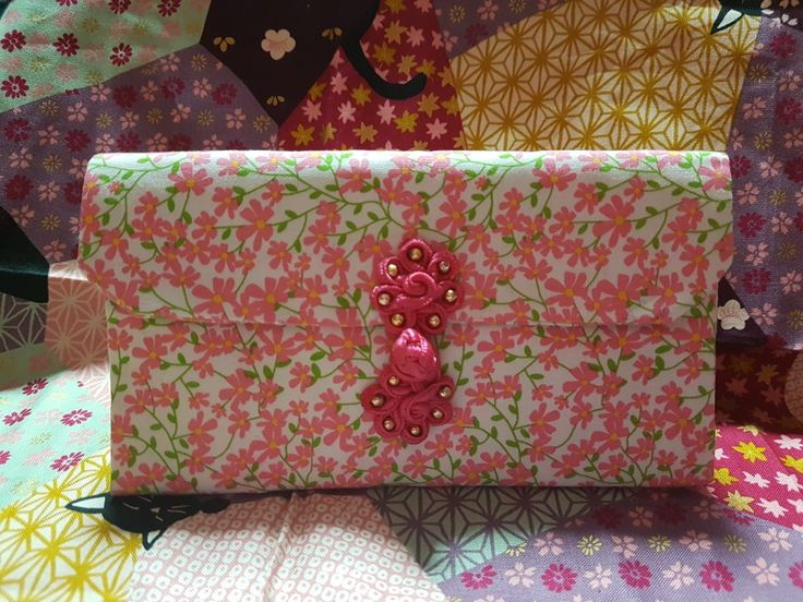 A spring flower CNY Ang Pow organiser purse entirely handstitched
