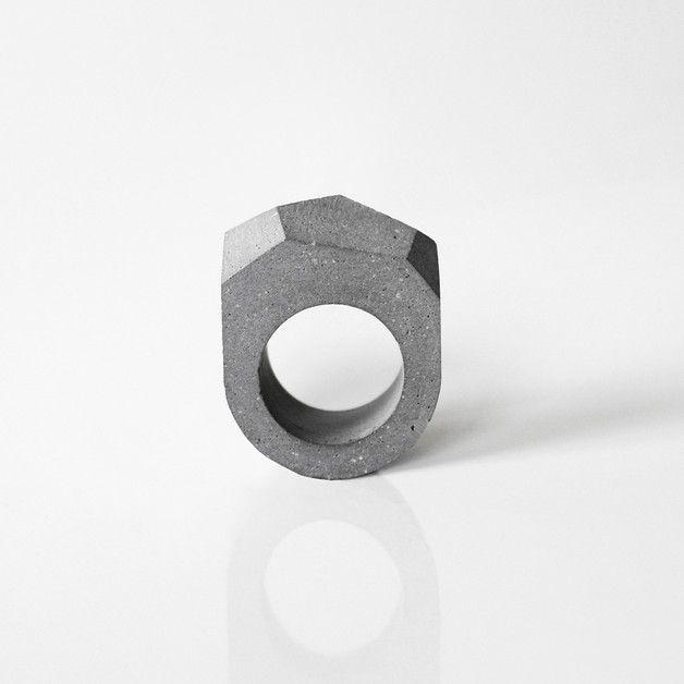 Anillo de cemento - bisutería de cemento - hecho a mano - en DaWanda.es