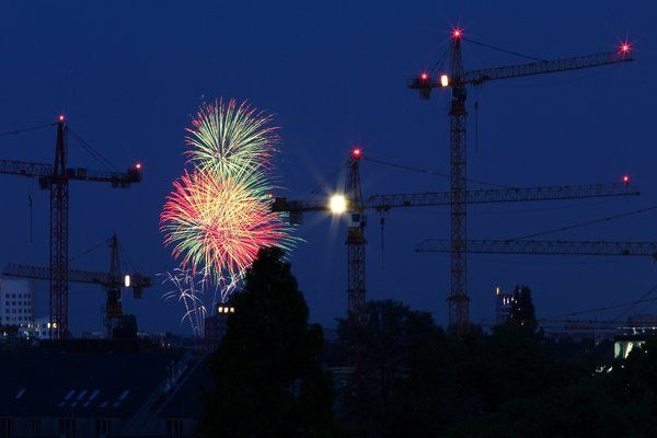 Blick aus dem Hotelfenster über das nächtliche Düsseldorf am 18. Juni 2013