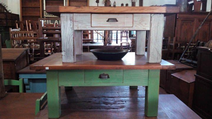 Mesas de café rústicas.