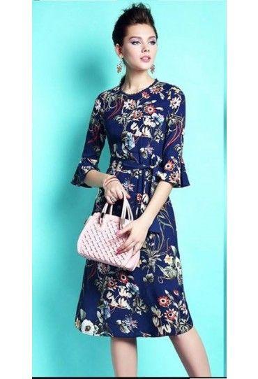 #Rochie albastra cu maneci trei sferturi, cu imprimeu. Asorteaz-o cu un sacou uni pentru o tinuta #office!