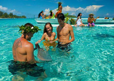 Bora Bora Restaurants, Reviews and Dining Guide | Tahiti Legends