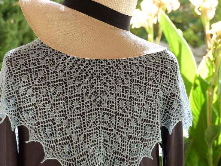 Kaitlyn, a shawl in very fine wool