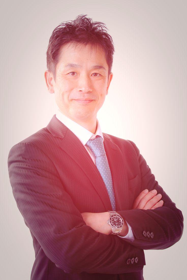 ゲスト◇宮城島俊之(Toshiyuki Miyagishima)1970年横浜市生まれ。大学卒業後、埼玉県の株式会社ペッカー精工に入社。1995年ペッカー精工退社後に、アメリカへ1年半の遊学カルフォルニア州サンディエゴに語学留学。1997年1月に帰国後、株式会社エムアイモルデに入社。2年間の金型設計と1年間の出向を経て、2000年に取締役就任、2004年に代表取締役就任。2010年7月、日本本社での「製造」を完全撤退。2011年2月、蘇州工場に設備導入して本格製造開始。2014年9月、昭和精工株式会社と業務提携し、異分野金型製造に参入。