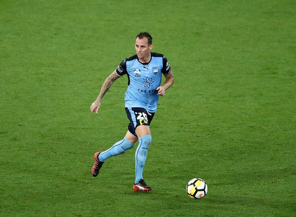 Luke Wilkshire Photos - Luke Wilkshire of Sydney FC controls the ball during the round 18 A-League match between Melbourne Victory and Sydney FC at AAMI Park on January 26, 2018 in Melbourne, Australia. - A-League Rd 18 - Melbourne v Sydney