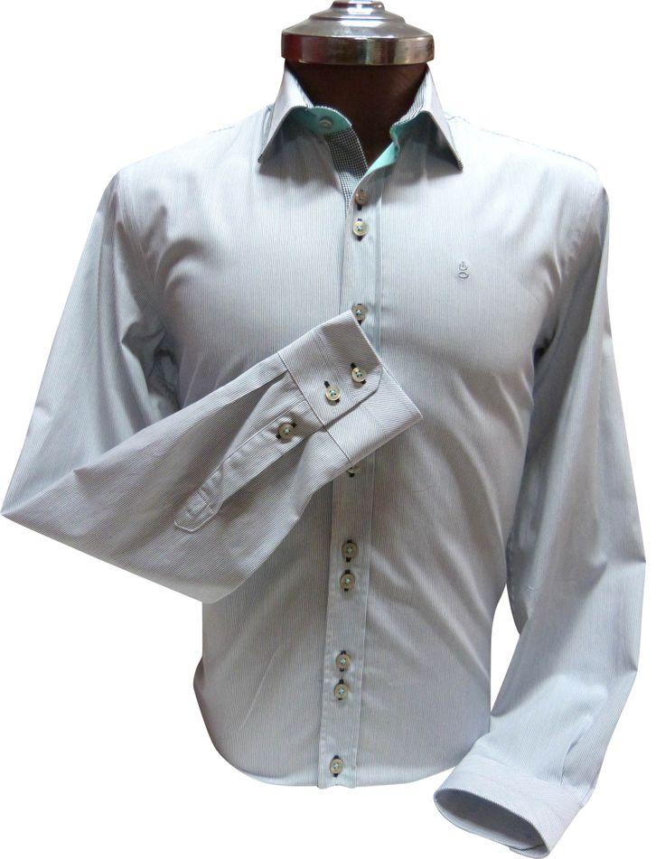 Camisa gris de Mil rayas - Slim Fit 100% algodón con aplicaciones en vichi Negro. Ehgho - Perú.