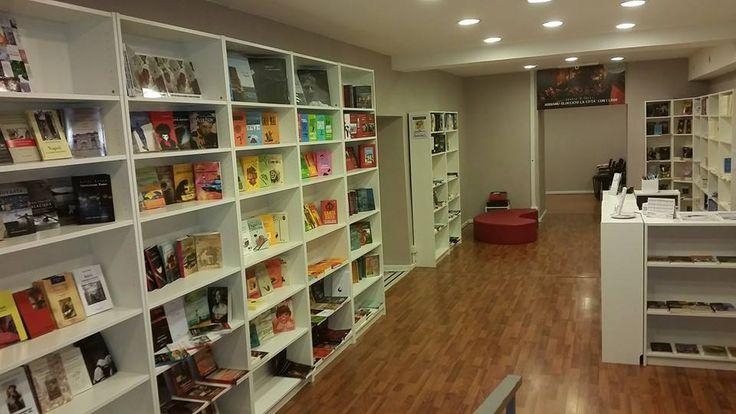 Benvenuti a iocisto #lalibreriaditutti!  #napoli #iocistolibreria #italy #books #bookshop #libreria