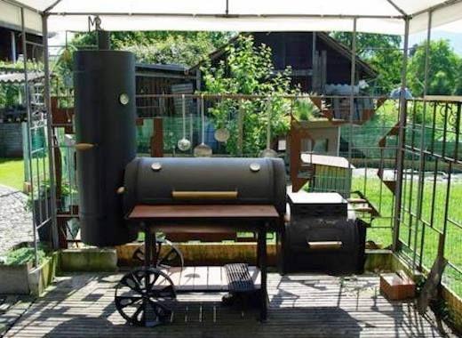 Haben Sie schon einmal so ein #bbq wie dieses gesehen? – Erfahren Sie, wie Sie dieses beeindruckende #smoker für Ihren eigenen #Hinterhof bauen: www.1-2-do.com – aubenkuche.todaypin.com