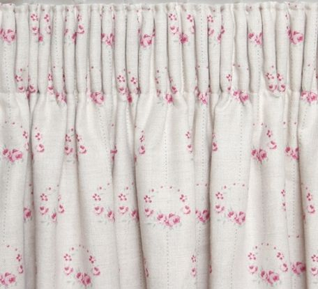 Pencil Pleat Header in Rose Wreath by Peony & Sage Fabrics. We can supply and ship curtains worldwide. Visit www.peonyandsage.com for more details