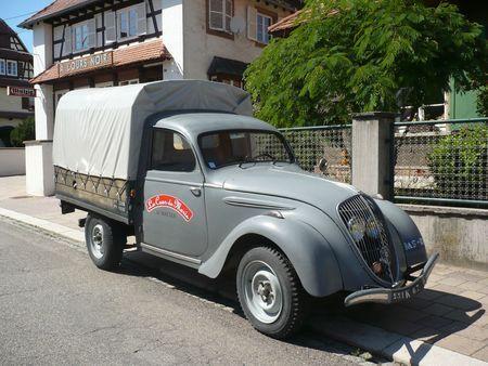 PEUGEOT 202 U camionnette bâchée Hatten (1)