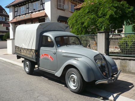 124 best images about french style on pinterest peugeot page 3 and rat rods. Black Bedroom Furniture Sets. Home Design Ideas