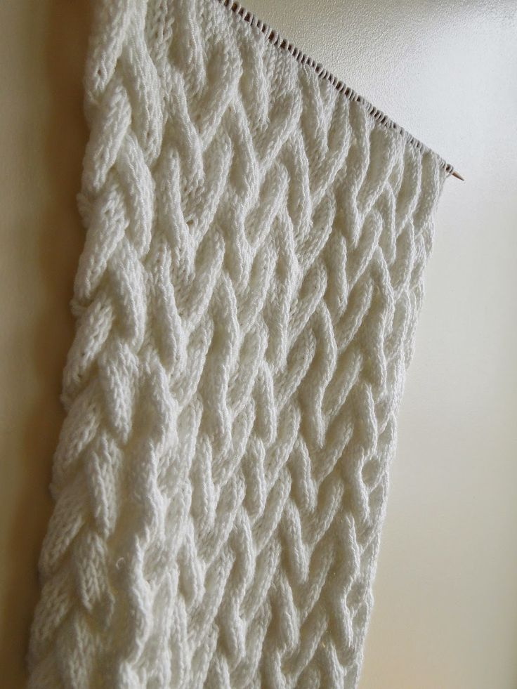 Cable Knit Scarves Patterns : 17 Best ideas about Cable Knit Scarves on Pinterest Cable knit, Cable knitt...