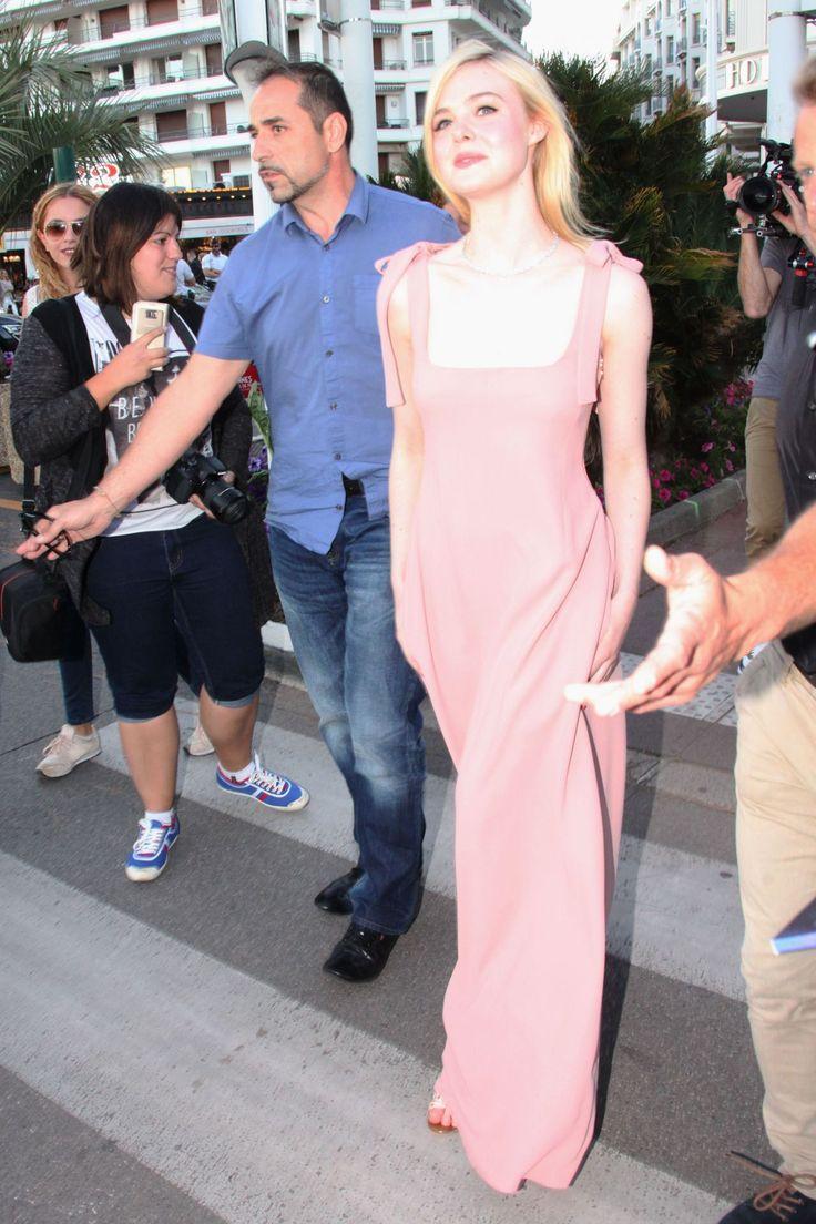 #Cannes, #Elle, #ElleFanning Elle Fanning in Pink - Out in Cannes 05/19/2017 | Celebrity Uncensored! Read more: http://celxxx.com/2017/05/elle-fanning-in-pink-out-in-cannes-05192017/