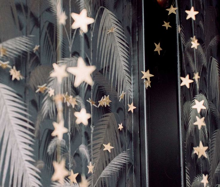 Holiday Decorating – Star Party Garland
