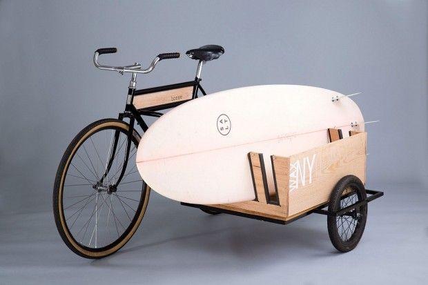 La marque américaine Horse Cycles vient tout juste de sortir son vélo side-car entièrement réalisé à la main. Le bois utilisé est du chêne ou un bois récupéré du Coney Island Boardwalk après le passage de l'ouragan Sandy.  Ce vélo au look rétro et minimaliste sera votre compagnon idéal pour transporter de grosses charges ou vos planches de surf.
