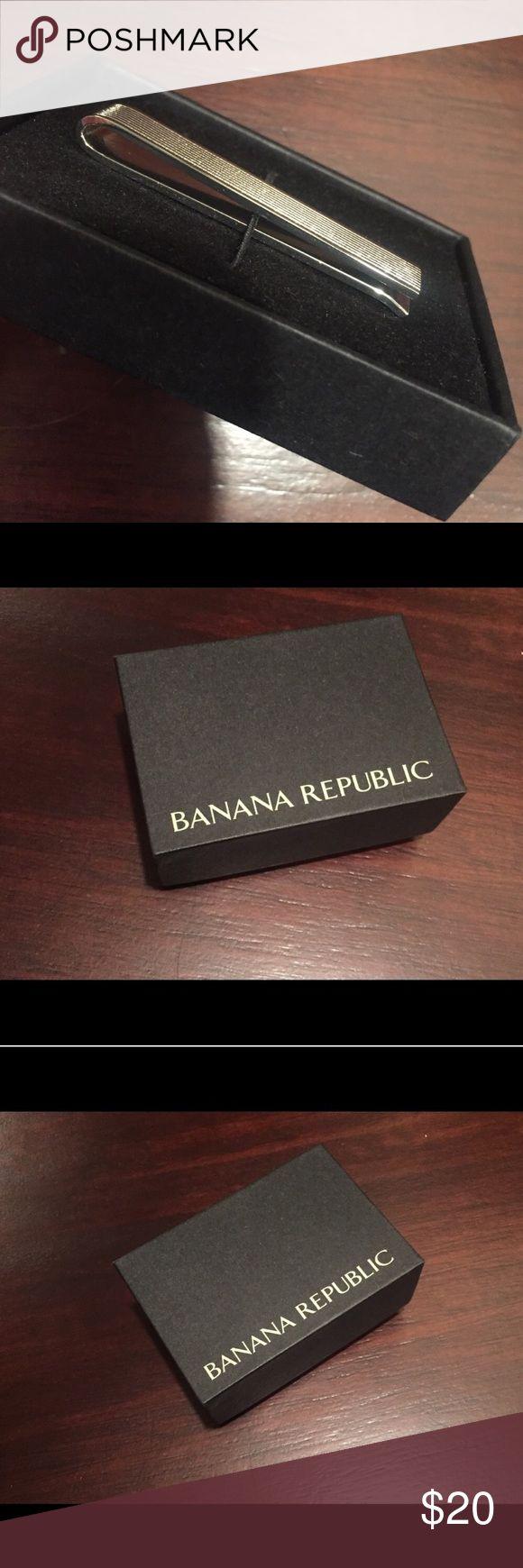 ☀️NWT Banana Republic Men's Silver Money Clip OS Banana Republic Men's Silver Money Clip, Brand New in Box, One Size Banana Republic Accessories Money Clips