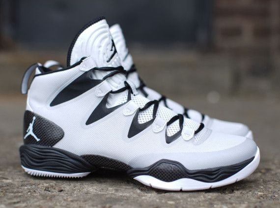 air jordan 28 se pure platinum 01 570x425 Air Jordan XX8 SE Pure Platinum    Sneakers   Pinterest   靴