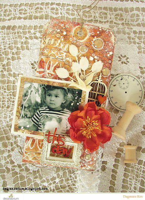 Dagmara Kos : Mixed media tag with photo scrapbooking DecoArt Prima Marketing The Crafter's Workshop