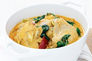 Tomato and chicken korma curry