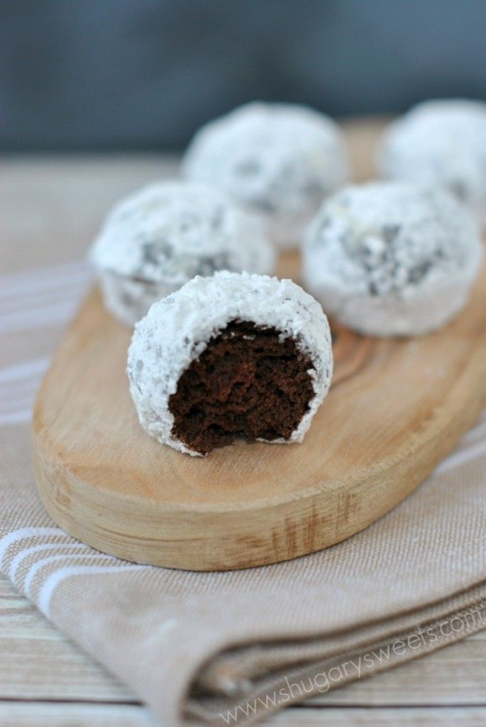 Chocolate Powdered Sugar Donut Holes: baked and ready in under 30 minutes! Plus another couple of flavours