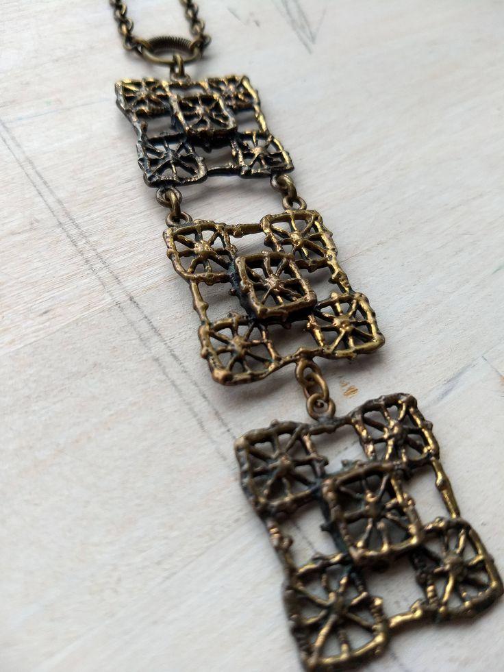 Pentti Sarpaneva Finland bronzen halsketting door Scandinaviafinds op Etsy https://www.etsy.com/nl/listing/585397331/pentti-sarpaneva-finland-bronzen