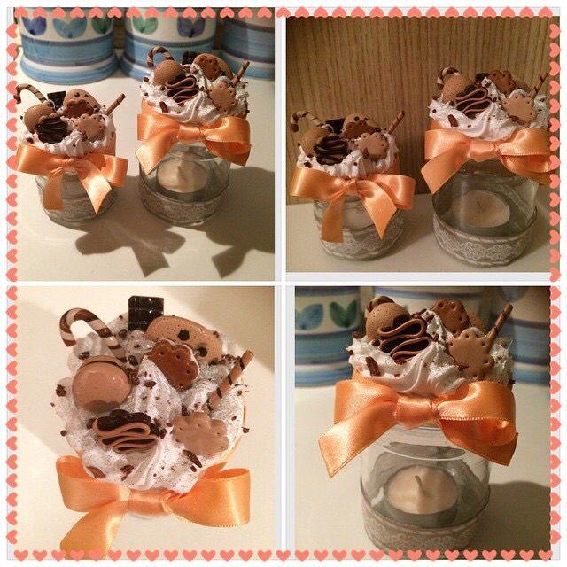 Vasetto in vetro con candela alla vaniglia e coperchio dolci biscottini....