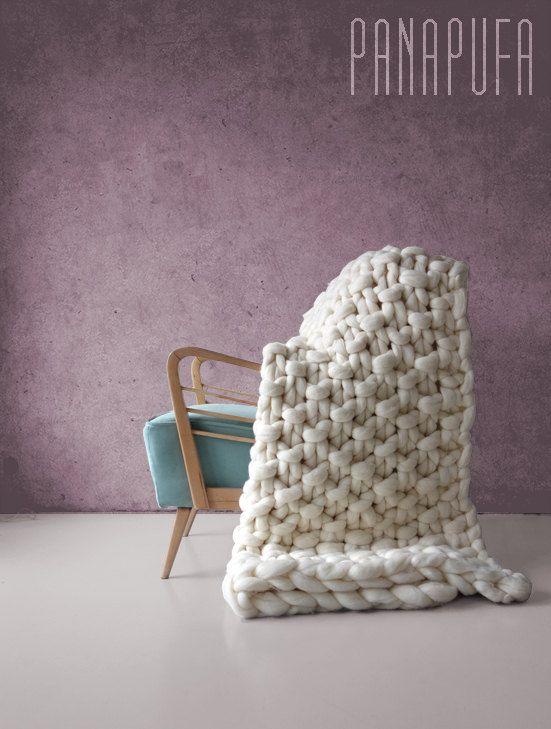 PROMO PRICE Large knit blanket Chunky knit yarn by PANAPUFA