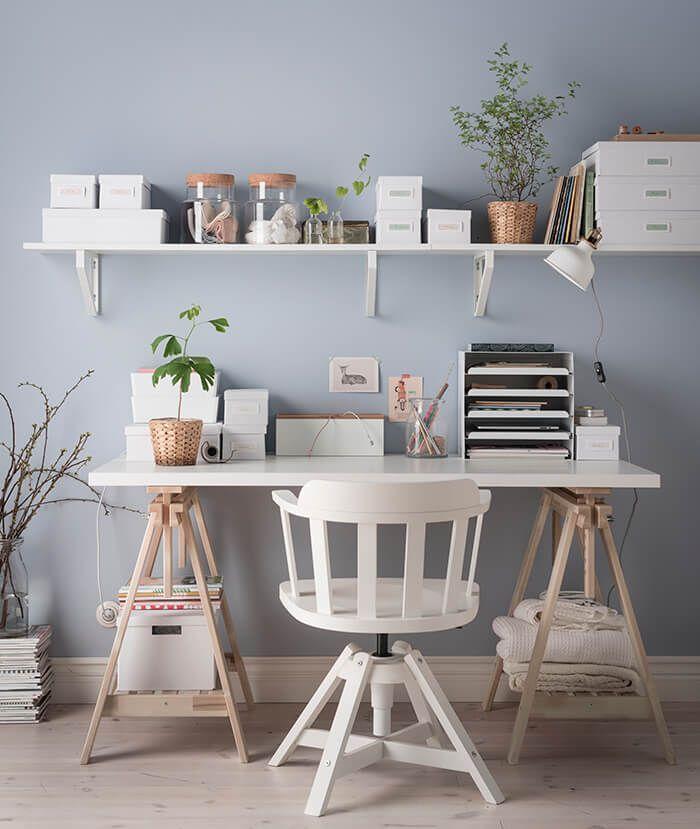 Een opgeruimd bureau: dat is geen kunst | IKEA IKEAnl IKEAnederland kantoor werkplek werkspot studeerkamer studeren werken office desk inspiratie wooninspiratie interieur wooninterieur studeerplek LINNMON tafel FINNVARD schraag KVISSLE brievenbakje FEODOR bureaustoel TJENA doos SINNERLIG voorradpot kantoor