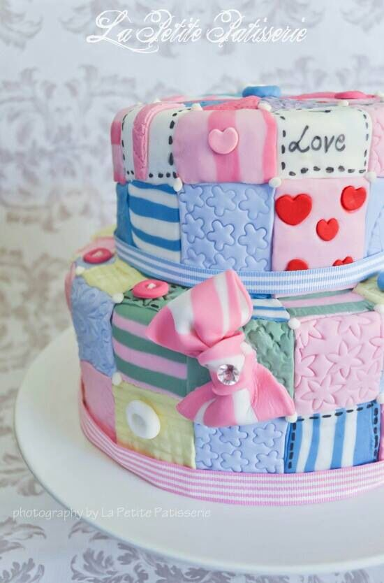 Quilted Cake Design : Patchwork cake Cakes and Food decoration Pinterest ...