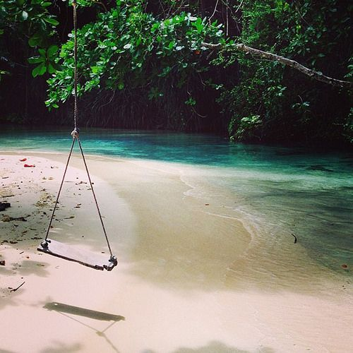 Top romantic places to visit | Frenchman's Cove, Jamaica | EverInTransit