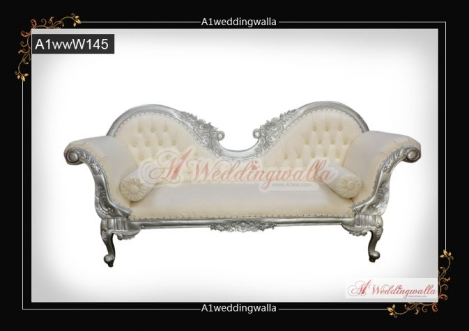 Queen style wedding sofa. For booking call us at 7958 330043. #WeddingSofa #WeddingDecoration #WeddingChair #WeddingStage #WeddingStageDecoration