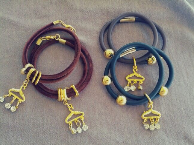 Velvet or silicone bracelets? Black or brown?