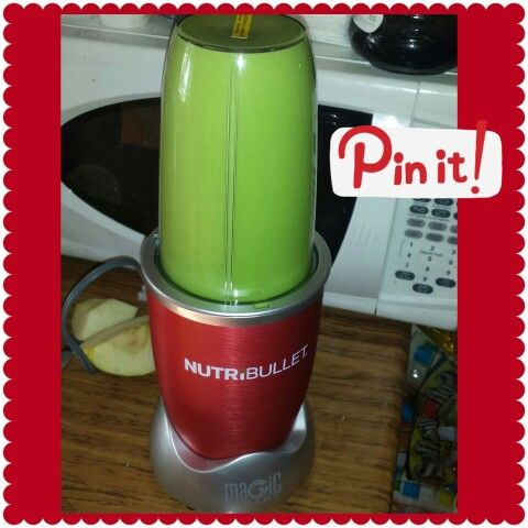 NutriBullet recipe #1 - Spinach, celery, green apple, banana, water