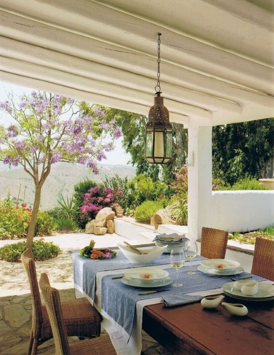 Elegant rustic outdoor decor at Cortijo El Carligto one of the most beautiful holiday getaway in Spain. Designers: Alan Hazel și Marc Wils
