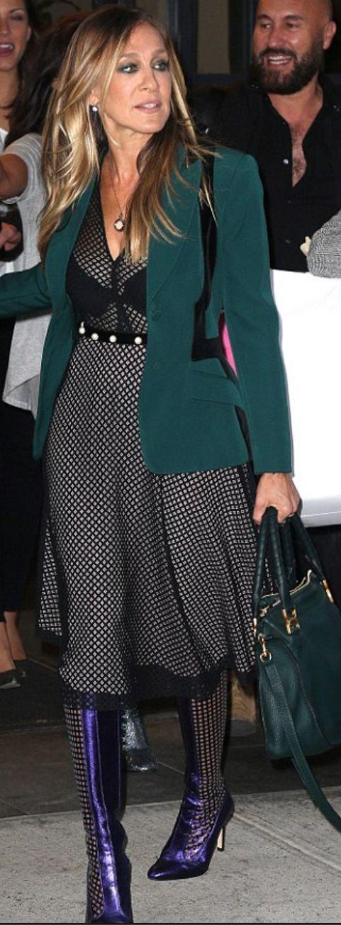 Sarah Jessica Parker: Purse – Chloe  Dress – Philosophy di Lorenzo Serafini                                                                                                                                                                                 More