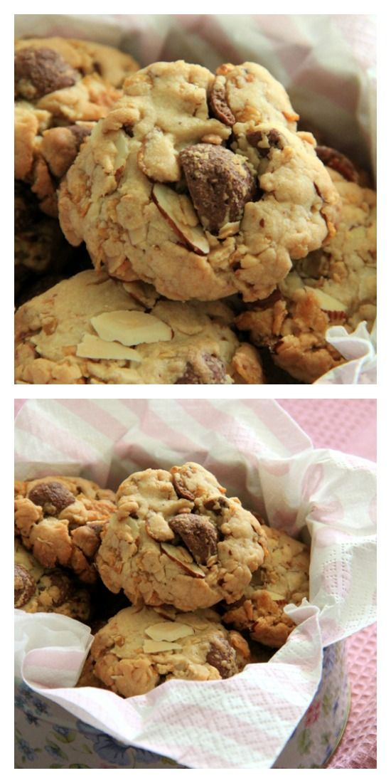 Peanut and Cornflakes Cookies. Make these amazing rich, crispy, and crunchy cookies with your pantry ingredients, so addictive! http://rasamalaysia.com