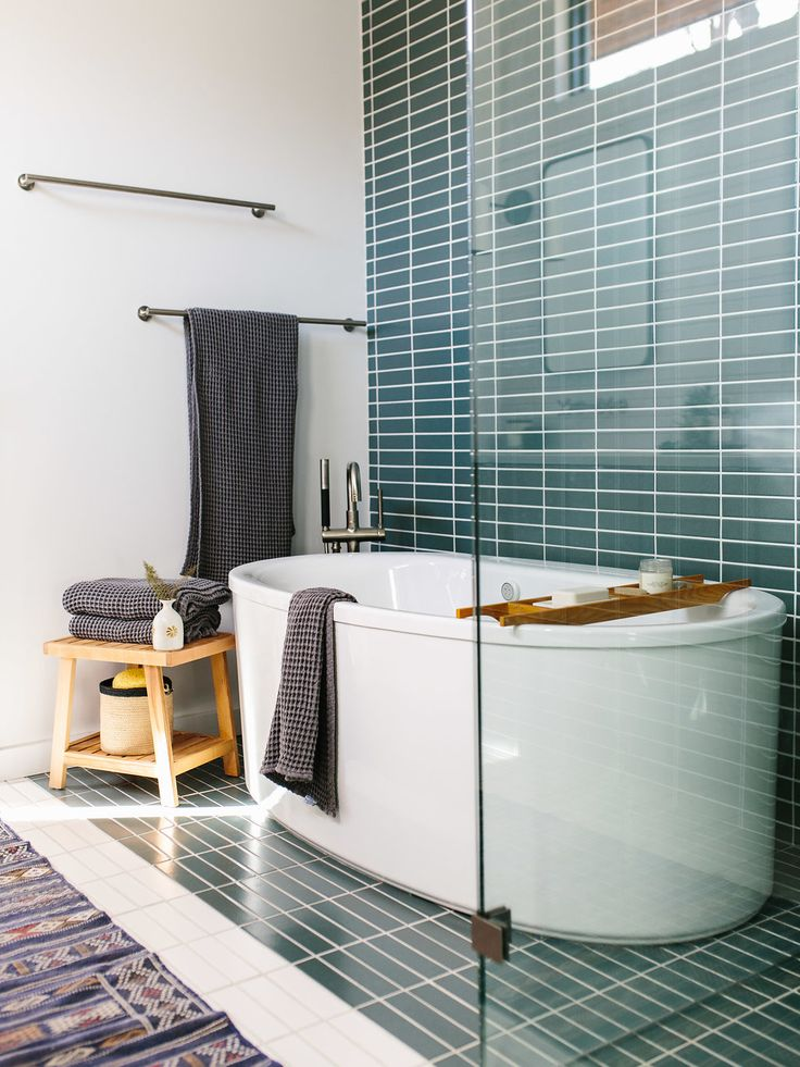 Our Austin Casa || Mid Century Modern Master Bathroom - The Effortless Chic