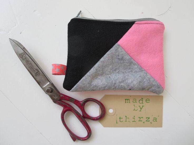 Handgemaakte portemonnee van 100% wolvilt in roze en grijs door madebyThirza op Etsy