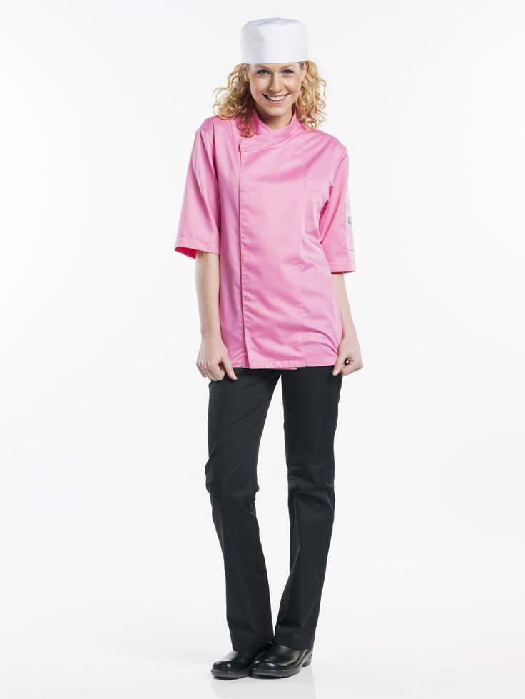 #270 Pastry short sleeve  - This pink version of the popular Bacio model with short sleeves makes absolutely no excuse for its cheerful appearance. This jacket has been specially designed for the patissier and will undoubtedly contribute to a positive working atmosphere. Striking and fun, but naturally comfortable and practical too. The Pastry Short Sleeve is a genuine statement not to be overlooked.  Straight Fit Covered fastening - Press buttons Breast & pen pocket