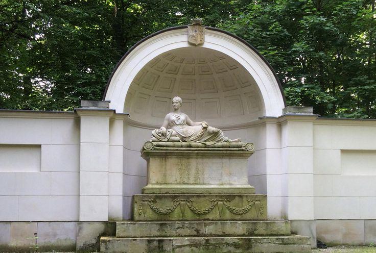 Natolin - Pomnik Natalii