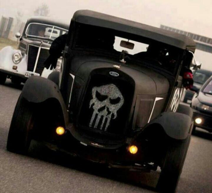 Skull car...                                                                                                                                                      Mais