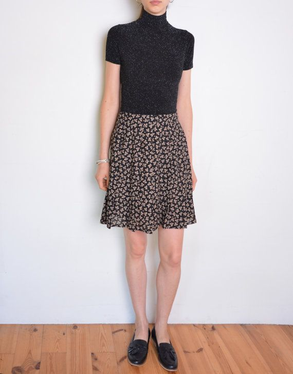90's pleated floral skirt black and beige by WoodhouseStudios