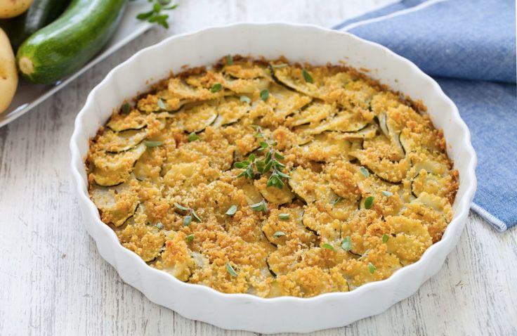 Zucchine e patate gratinate sono un ottimo contorno vegetariano da fare al forno