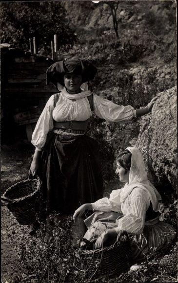 Photo Postcard Griechenland, Paysannes de Corfou, Griechinnen aus Korfu