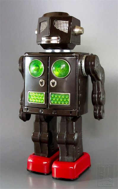 Horikawa ATTACK ROBOT vintage tin toy robot by LUNZERLAND