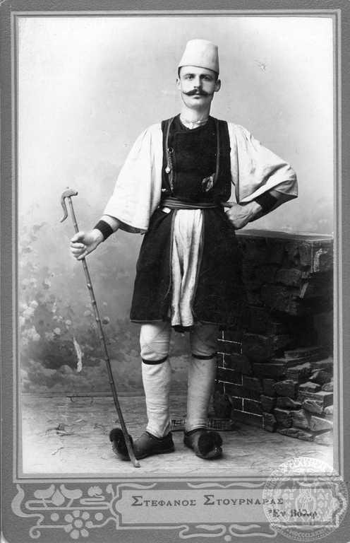 Ο Νικόλαος Α. Πύρζας (1880-1947), κτηνοτρόφος και ζωέμπορος, κατά την α΄ περιοδεία του Παύλου Μελά. 1904