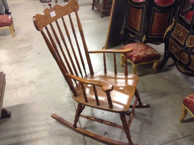 sedia a dondolo legno Niente di Nuovo, usato, antichità e